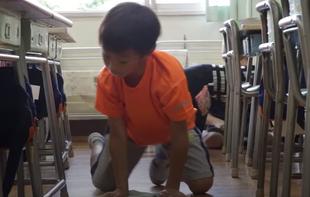 Japońskie dzieci same sprzatąją szkoły