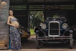 Jak bezpiecznie podróżować w ciąży? Kiedy nie wsiądziesz już do samolotu?