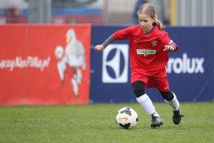 Lewandowski w spódnicy - jedenastolatka z Polski trenuje w jednym z najlepszych klubów Europy