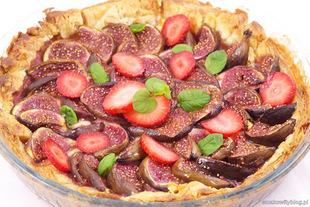 Tarta z kozim serem i figami