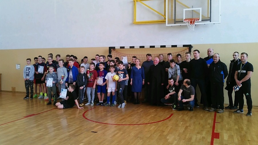 Eliminacje do finału IX Mistrzostw LSO w halową piłkę nożną o puchar Metropolity Lubelskiego.