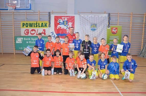 """Halowy Noworoczny Turniej Piłki Nożnej o Puchar Prezesa K.S. """"Powiślak"""" Końskowola"""