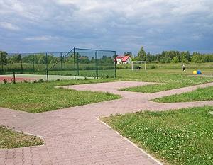 Budowa ciągów pieszych w kompleksie boisk sportowych w os. Wiślana