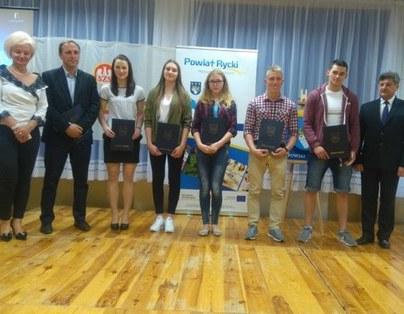 Uczeń ZSZ nr 1 w Dęblinie - Artur Pawlik nagrodzony przez Starostę Powiatu Ryckiego za osiągnięcia sportowe!