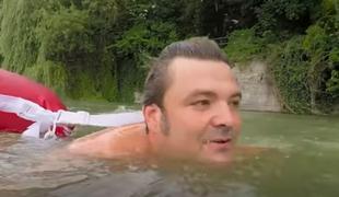 Człowiek, który pływa do pracy