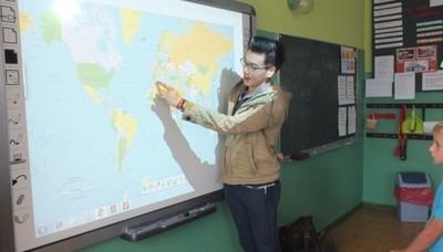Studenci z AISEC w szkole w Tuszowie