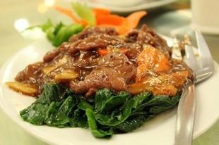 Domowy gulasz wołowy z marchewką