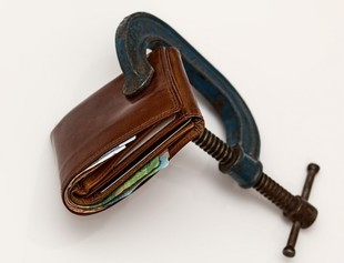 Na spłatę długów w terminie nie zawsze wpływa zasobność portfela