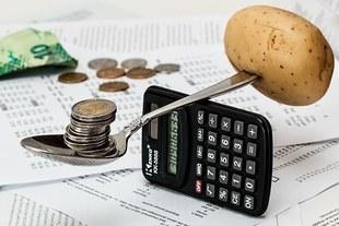 35 proc. Polaków nie jest w stanie odłożyć przez miesiąc żadnych pieniędzy