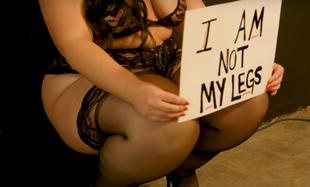 Moje spuchnięte nogi nie sprawią, żebym nie czuła się seksi