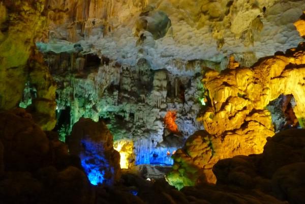 Jaskinia Thien Cung