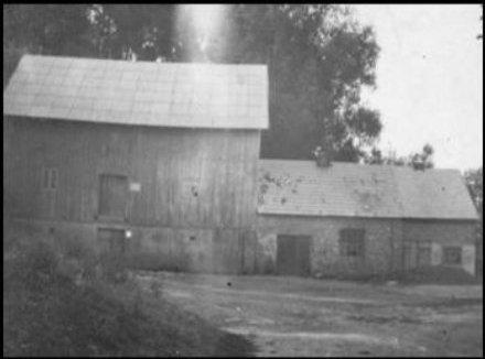 Młyn w Woli Trzydnickiej w roku 1952.