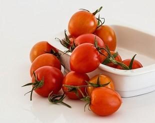 Kwaszone pomidory z kminkiem