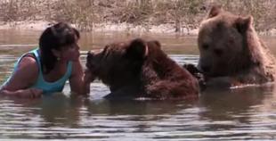 Rodzina z 13 niedźwiedziami