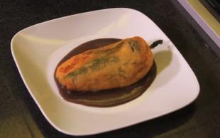 Wegetariański przysmak - papryka nadziewana serem