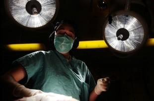 Lekarka podczas operacji nazwała pacjenta debilem