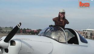 Pierwsza na świecie pilotka bez rąk!