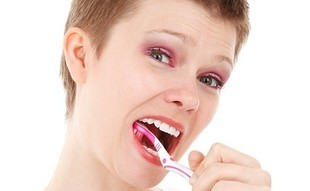 5 domowych sposobów na białe zęby