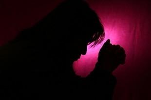 Pocisz się w nocy? To może być rak, a nie menopauza!