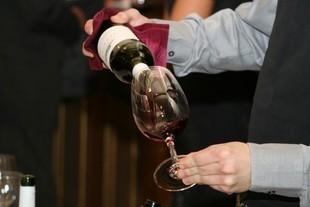 Jak smakuje drogie wino?
