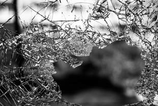 Dlaczego rozbicie lustra przynosi pecha?