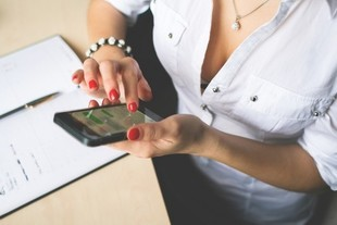 Romans w pracy - czy warto?