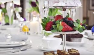 Elegancki stół na Wielkanoc