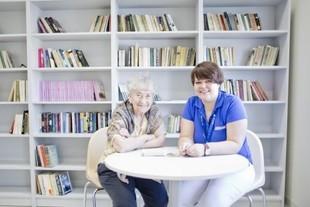 Jak znaleźć opiekuna dla starszej osoby?