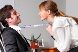 Romanse w pracy zwiększają produktywność