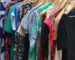 Garderoba kapsułkowa - wyrzuć z szafy zbędne ciuchy!