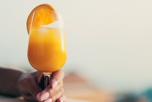 Pijesz rano sok pomarańczowy? Błąd!