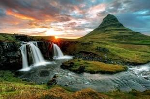 Dlaczego warto zobaczyć Islandię