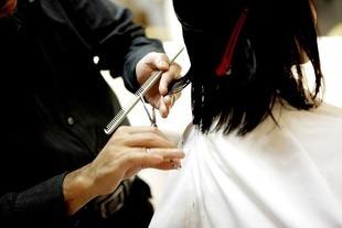 Fryzjer zniszczył ci włosy? - możesz złożyć reklamację!