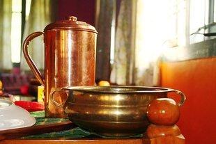 Zapomniany ajurwedyjski sekret zdrowia - pij wodę z miedzianego naczynia!