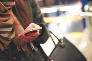 SMS - używany do zdrad i romansów
