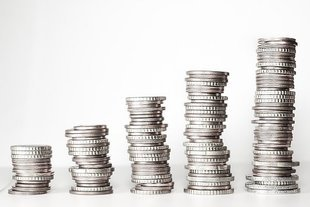 Zaległe długi Polaków wzrosły przez rok o niemal 11 mld złotych