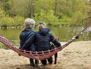 Jak radzić sobie z wahaniami nastroju w czasie menopauzy?