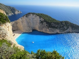 Europejczycy poczuli wakacyjny boom i chcą jechać na wakacje. Jakie są popularne kierunki?