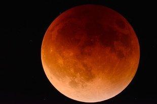 Czerwcowa pełnia Truskawkowego Księżyca