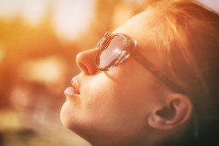 Chroń oczy w lecie! Nie tylko przed słońcem!