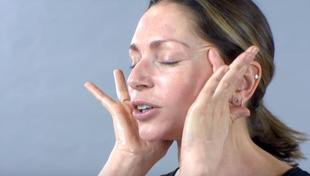 Domowy lifting twarzy - likwiduje zmarszczki i podwójny podbródek!