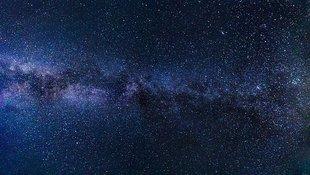 Tajemnice wszechświata - dlaczego niebo jest w nocy ciemne?