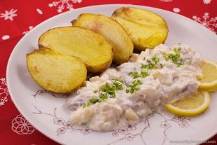 Sałatka śledziowa z pieczonymi ziemniakami