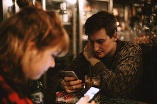 Co robiliśmy w święta na smartfonach? Randki, zdjęcia  i lans w internecie