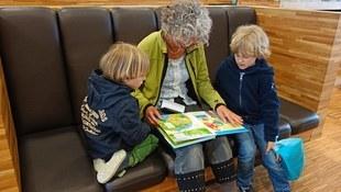 Psycholog: rola dziadków inna niż rodziców