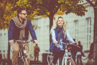 5 zachowań, dzięki którym jesteśmy uznawani za atrakcyjnych