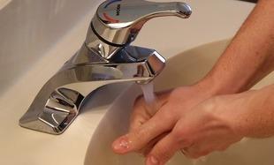 Fakty i mity na temat mycia rąk