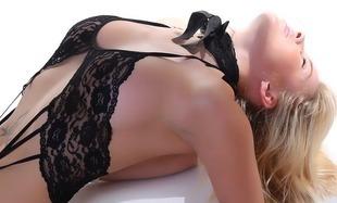 Orgazm. Podstawowe informacje dla kobiet, które pragną go przeżyć