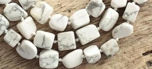 Niezwykły opal kacholong - Faberge umieszczał go w swoich słynnych jajkach!
