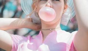 © Żucie gumy związane z migreną u dzieci